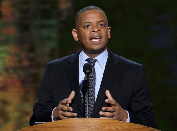 CHARLOTTE MAYOR ANTHONY FOXX AGREES  WITH ATHEISTS THAT 'REASON,' MORE THAN GOD, IS BEST HOPE FOR HUMAN SURVIVAL ON EARTH.
